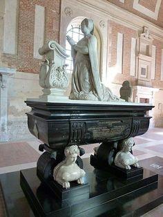 Le château d'Anet monument funéraire de Diane de Poitiers, ses restes y reposent de nouveau depuis 2010