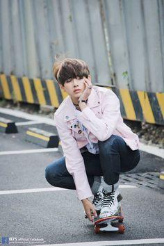 v; taehyung; bts
