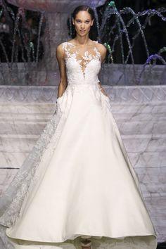 l Pronovias Spring 2018 Bridal Fashion Show - The Impression *