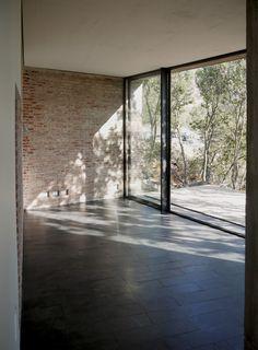 Casa Nº1 en Curacavi / Felipe Combeau + Pablo Alfaro