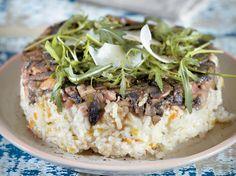 Ανάποδη πίτα ριζότο με μανιτάρια και γραβιέρα | olivemagazine.gr