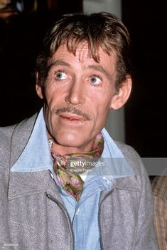 Peter O'Toole filming 'My Favorite Year' circa 1981 in New York City. Get premium, high resolution news photos at Getty Images Hollywood Men, Classic Hollywood, My Favorite Year, My Favorite Things, Oscar Winning Movies, Peter O'toole, Lawrence Of Arabia, Cary Grant, Best Actor