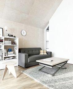 Esstische Couchtische Mehr Sehen Ausgefallene Dunkle Tapete Schwarzes Sideboard Wohnzimmereinrichtung Livingroom Home BoConcept