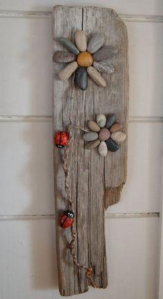 Mariquitas y flores arte de madera arte de por BeachMemoriesByJools