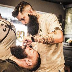 barbeariacorleone @estevamgreco #beard4all #beards #bear #beards #beautiful #beautifulbeard #beardmodel #beardmovement #bart #barbu