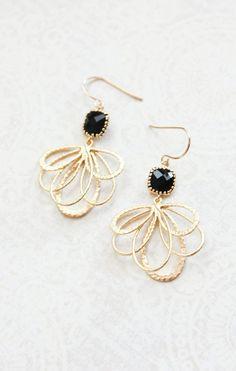Cristal negro pendientes oro filigrana Floral por apocketofposies