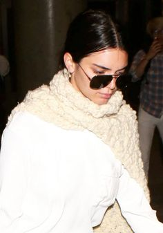 #KendallJenner, #LosAngeles Kendall Jenner at LAX Airport in Los Angeles 05/26/2017 | Celebrity Uncensored! Read more: http://celxxx.com/2017/05/kendall-jenner-at-lax-airport-in-los-angeles-05262017/