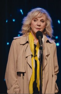 """Blythe Danner, """"I'll See You in My Dreams"""" Outfit."""