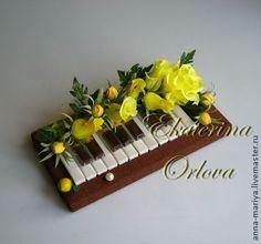 Купить Музыканту... (букет из конфет) - розовый, музыка, пианино, клавиши, фортепиано, рояль, музыканту, учителю