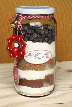 Christmas Neighbor, Christmas Fun, Xmas, Jar Gifts, Food Gifts, Cake In A Jar, Presents For Best Friends, Cake Logo, Valentine Cookies