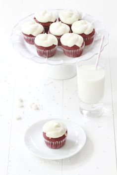 ... red velvet cupcakes with white chocolate chips ...