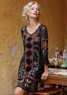 756c4b6d7701 Crochet dress with pattern for motifs and layout Ιρλανδικό Βελονάκι
