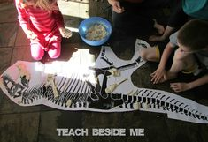 Making Dinosaur Fossils This month's Poppins Book Nook theme is Dinosaurs. We decided to focus on dinosaur fossils. We have 2 books about dinosaur fossils that I love. we have been making dinosaur fossils! Digging Up Dinosaurs and Fossils Ks1 Classroom, Dinosaur Classroom, Dinosaur Crafts Kids, Dinosaur Toys, Dinosaur Discovery, Dinosaur Fossils, Play Based Learning, Dinosaur Birthday Party, Teaching