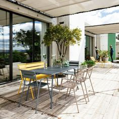 Outdoor lounge Monceau - Fermob photo 2 - Photo credit: Stephane ...