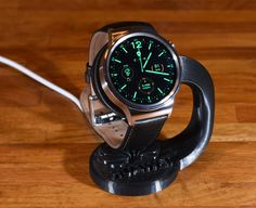 Huawei+Watch+charging+stand+by+Erikjuh.