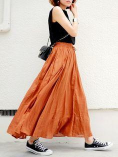 ブラウンのスカートに黒合わせ❤️  アクセはゴールド☺️    カーズ3、号泣…    …GU …plain clothing …CONVERSE スカート…studio clip ピアス…MOUSSY
