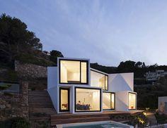 Sunflower House by Cadaval