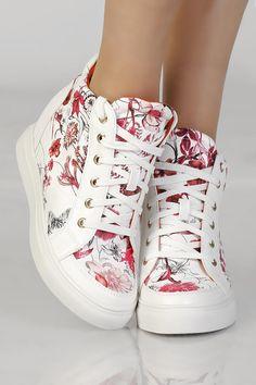 baskets-compensees-de-couleur-blanche-et-rouge
