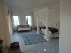 Come and stay in our wonderfully comfortable rooms at Villa Santorini. Every room has it's own private view of the Bazaruto Archipelago. Wake up in paradise with the sun peeping over the ocean horizon and go to sleep with the sound of waves crashing on the shore in your new home away from home.