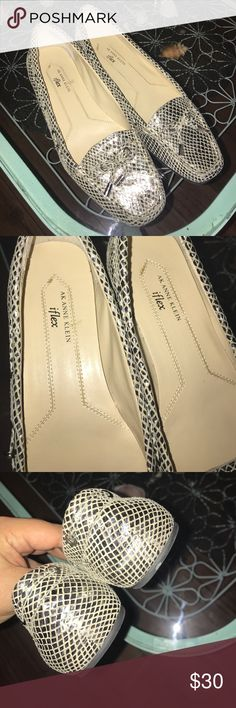 💥Weekend sale!!💥 Rarely used! They're iflex so they're more comfortable on your feet. Leather upper. Anne Klein Shoes Flats & Loafers