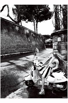 Amanda Seyfried Vogue june 2015 © Mario Testino