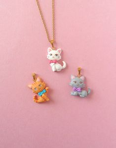 Polymer Clay Cat, Polymer Clay Charms, Polymer Clay Jewelry, Clay Cats, Kawaii Jewelry, Kawaii Cat, Cat Necklace, Clay Animals, Animal Jewelry
