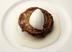 caramelized onion with grana ice cream by Davide Oldani