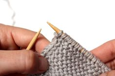 How to Knit a Perfect Edge Row 1 (RS): Sl 1 wyib, k1; work in any given stitch pattern to last 2 sts; sl 1 wyib, p1. Row 2 (WS): Sl 1 wyib, p1; work in any given stitch pattern to last 2 sts; sl 1 wyif, p1. Repeat Rows [1-2] for a double i-cord/selvage. Add more columns for triple and quadruple selvages.