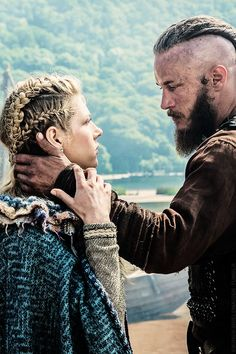 Lagertha & Ragnar // please let them get back together and conquer thevwest!#Vikings #shieldmaiden