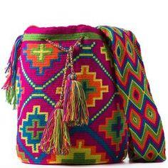 comprar bolso wayuu en madrid, wayuu, croche, bolsos hecho a mano, producto… Form Crochet, Crochet Chart, Crochet Home, Crochet Motif, Knit Crochet, Crochet Patterns, Tapestry Bag, Tapestry Crochet, Mochila Crochet