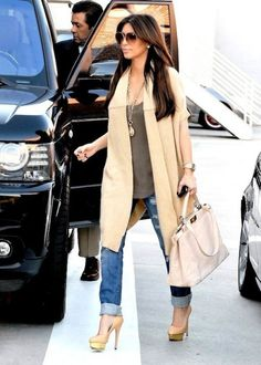 Long cardigan, long necklace, long rolled jeans with platforms .... LOVE this look! thats ME!