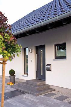 Modern windows and doors by fingerhaus gmbh - bauunternehmen in frankenberg (eder) modern Modern Windows And Doors, Modern Door, Patio Steps, Door Steps, Storey Homes, Pergola Plans, House Front, Entrance, New Homes