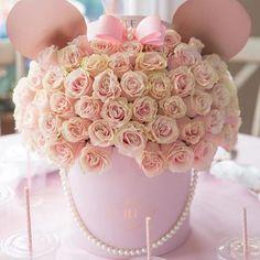 <p>Minnie Mouse Floral Centerpiece</p>