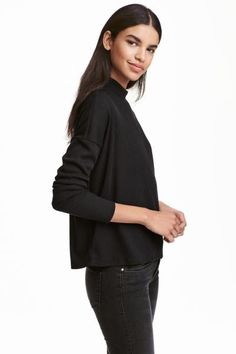 Ribbed turtleneck jumper: Oversized turtleneck jumper in a soft rib knit with dropped shoulders and long sleeves.