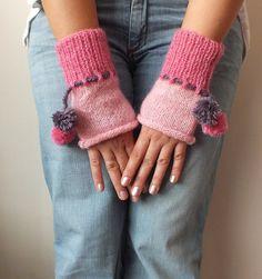 Mitaines, gants de tricot, mitaines, rose, chauffe-mains, halloween, noël, : Mitaines, gants par binnur-yildirim