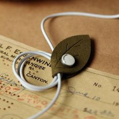 Leaf Earphone Cable Winder