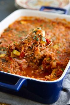 Serve up this Healthy Turkey, Zucchini and Rice Casserole for an easy dinner packed with lean protein and veggies. 276 calories and 7 Weight Watchers SmartPoints