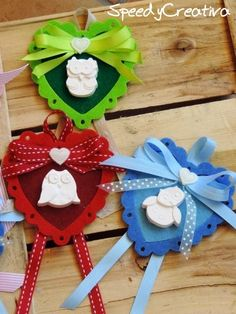 Speedy Creativa: Vetrina di Natale!! Christmas Candles, Christmas Crafts, Christmas Decorations, Christmas Ornaments, Holiday Decor, Natal Diy, Felt Fabric, Fabric Gifts, Shots Ideas