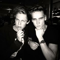 Joe Sugg and Caspar Lee Joe Sug, Joseph Sugg, Jack And Conor Maynard, Buttercream Squad, Louis Cole, Marcus Butler, British Youtubers, Caspar Lee, Vlog Squad