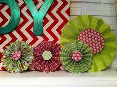 Christmas paper medallions. So easy!