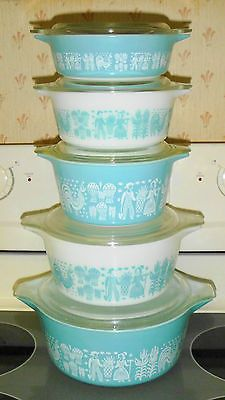 Pyrex Amish Butterprint casseroles...I would love to have a set of these in yellow :) or any color really