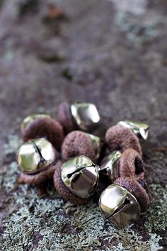 Acorn Bells, an easy nature craft for kids, are a sweet addition to gardens, fairy houses, or fall decor.