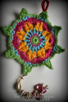 The Lazy Hobbyhopper: Crochet ornament - free pattern -- mandala, christmas, gift, thank you, colors, idea