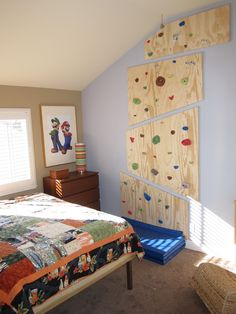 Remodeled my son's room with a custom platform bed and a rock climbing wall Indoor Climbing Wall, Kids Climbing, Rock Climbing Holds, Indoor Gym, Kids Gym, Toddler Rooms, At Home Gym, Kid Beds, Bouldering