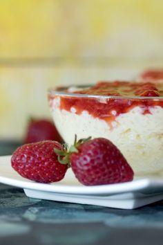 Epres rizspuding • Fördős Zé Magazin Chia Puding, Cake Cookies, Fun Desserts, Cheesecake, Good Food, Food And Drink, Strawberry, Gluten Free, Fruit