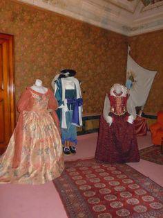 Mostra dei costumi de La Scamiciata a Palazzo Pezzolla di Fasano #ndm13 #nottedeimusei