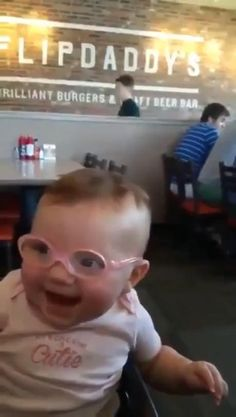 Cute Funny Baby Videos, Cute Funny Babies, Funny Videos For Kids, Funny Cute, Really Funny, Cute Kids, Hilarious, Funny Video Memes, Stupid Funny Memes