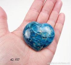 Coeur Apatite bleue de Madagascar 5 x 4,5 x 2,2 cm d'épais. Pièce unique 83 grammes