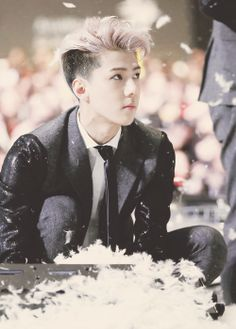MAMA 2013: Oh Sehun AKA my husband who will never meet his wife. BUT GODDAMN IS E HOT
