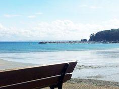 Propriété face à la mer à Morgat,  A vendre face à la mer et à la belle plage de Morgat, cette joliepropriétéa beaucoupde charme et a gardé toute son authenticité, elle bénéfice d'unebelle vue panoramique sur la baie dans la presqu'île de Crozon.
